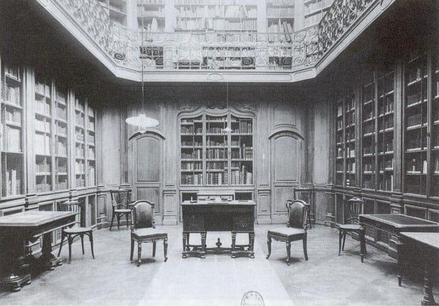 Salle de lecture principale de la Bibliothèque Smith-Champions vers 1919