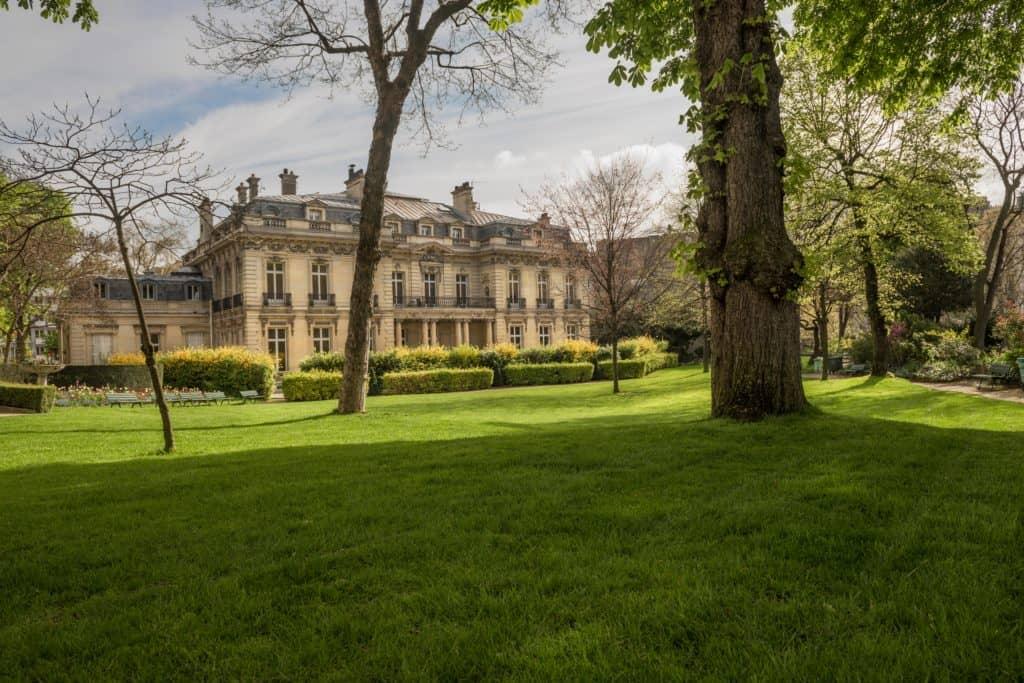 Façade de l'Hôtel Salomon de Rothschild, côté jardin