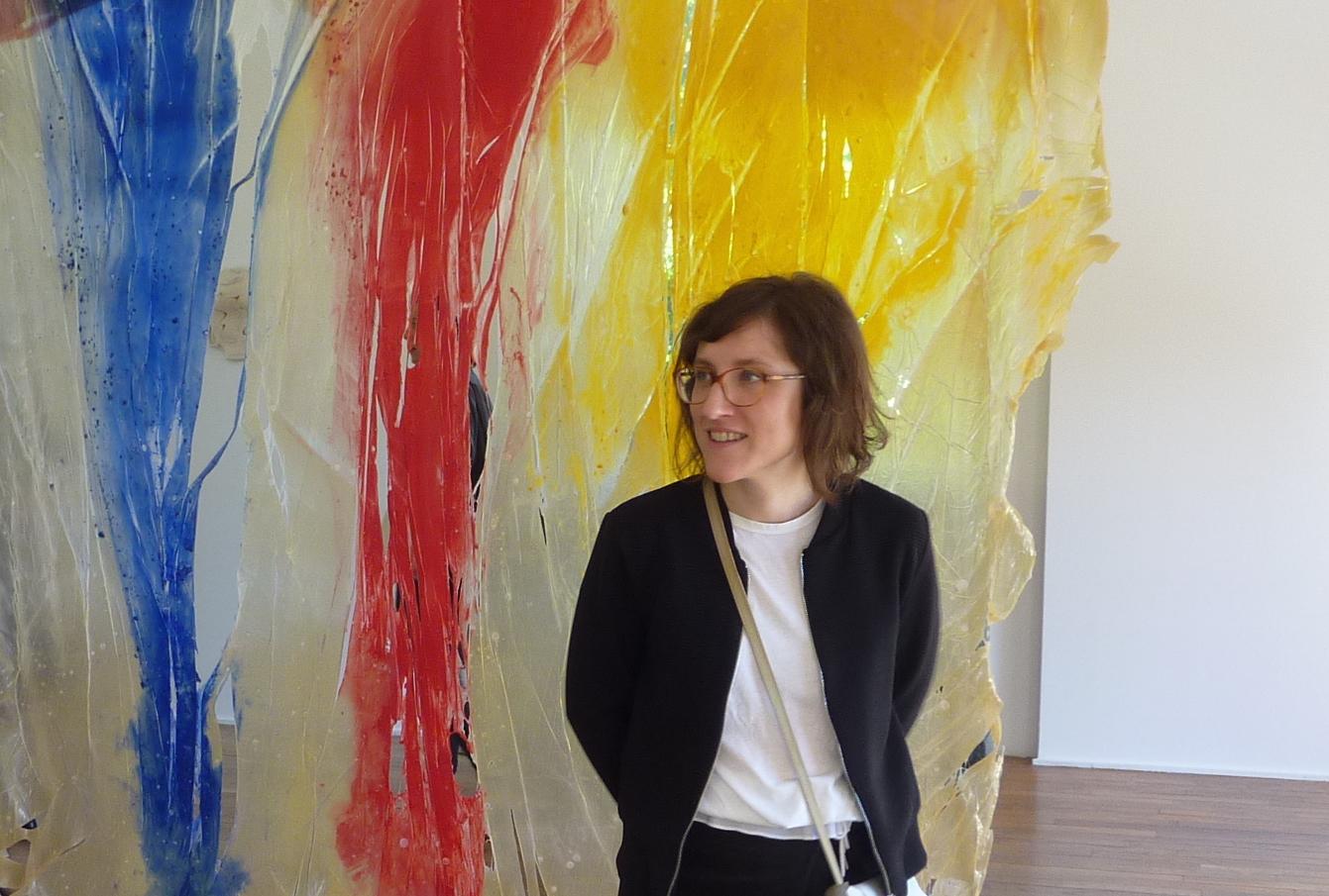 Emilie Bouvard, commissaire de l'exposition Une journée avec Marie Vassilieff