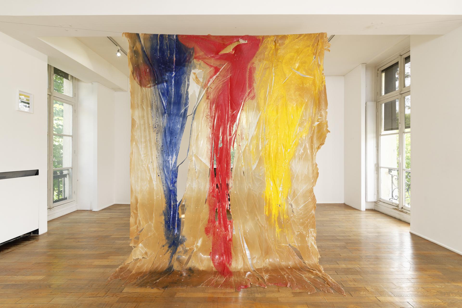 """Thu Van Tran, """"Pénétrable"""", 2019. Vue de l'exposition """"Une journée avec Marie Vassilieff"""".Crédit Photo : Aurélien Mole"""