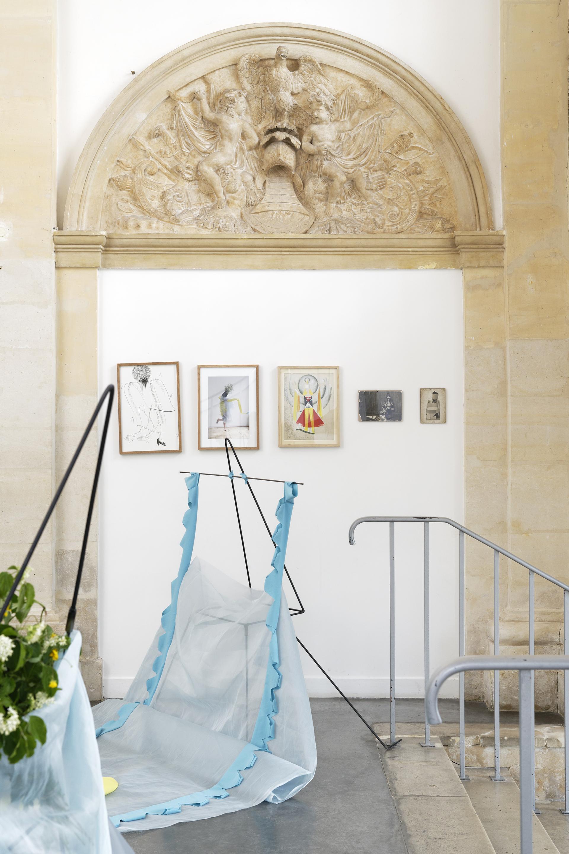 """Mercedes Azpilicueta,  """"Les Trois Arlequins"""", 2019. Vue de l'exposition """"Une journée avec Marie Vassilieff"""".Crédit Photo : Aurélien Mole"""
