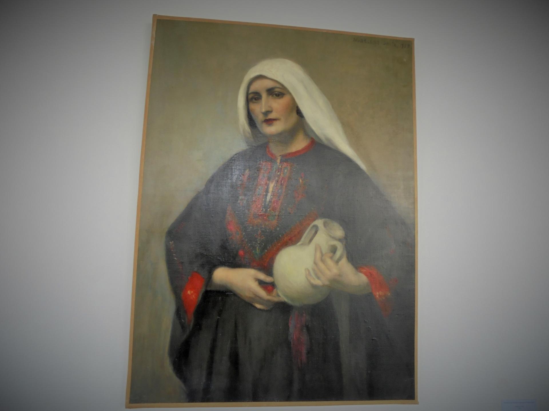 Portrait d'une femme en tenue du Proche-Orient huile sur toile 1933Collection FNAGP Numéro d'inventaire 103 © FNAGP2 (2)
