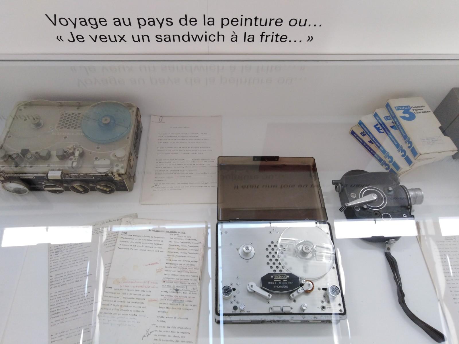 Vue de l'exposition On ira cueillir des soleils la nuit de Lise Déramond (4)
